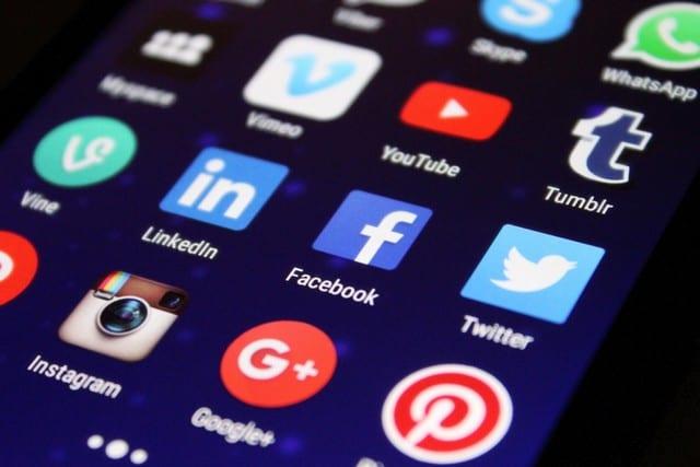 internet - Réseaux sociaux - Mailings